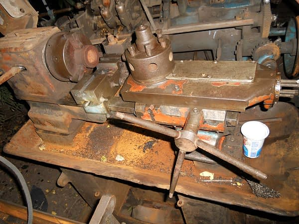 This is what the lathe looked like after the initial clean-up